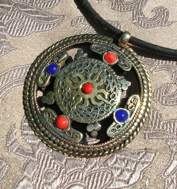 Tolles tibet OM AMULETT aus Nepal Silber+Türkis+Koralle Lotus