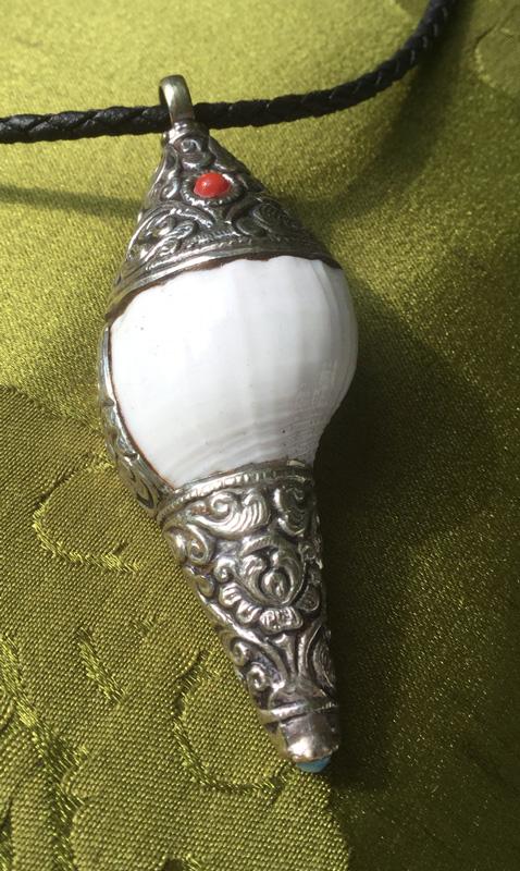Endloser Knoten für endlose Liebe Tolles Tibet AMULETT GAU aus NEPAL Türkis OM